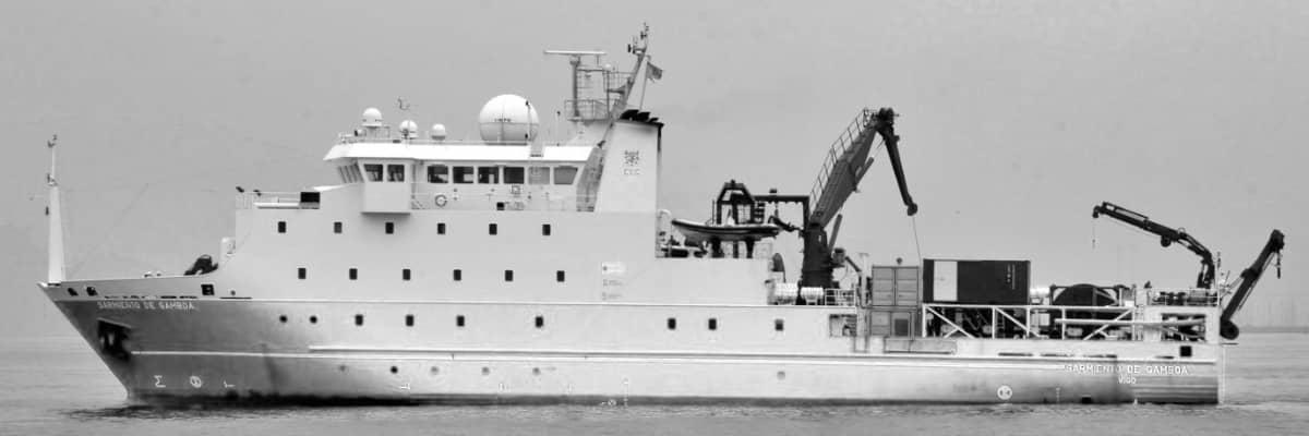 Sarmiento de Gamboa buque oceanográfico con reactor h2o Titanium